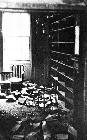 Lincoln's Inn Fields postroom after the Blitz